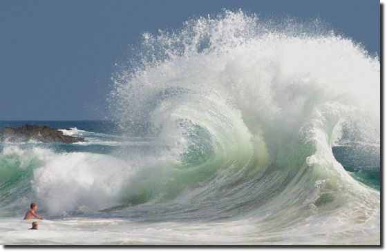 Choque de duas ondas waves chock amazing photo