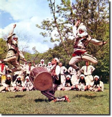 Dança típica da Albânia