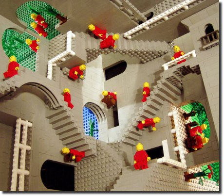 M.C. Escher Relatividade feito de Lego