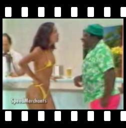 Mussum e garota de bikini