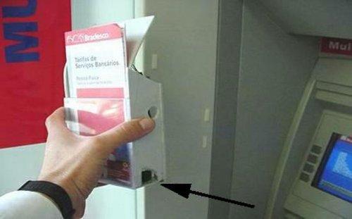 camera escondida num caixa eletrônico