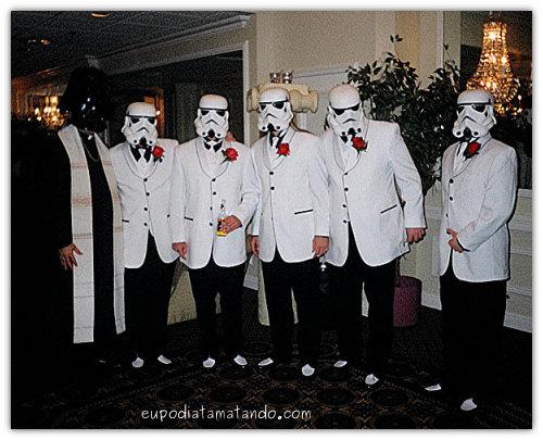 Darth Vader e os troppers fazendo casamento